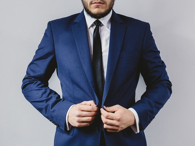 Is-it-safe-to-buy-custom-suits-online-a
